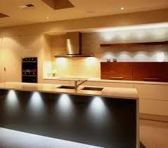 Выбираем мебельные светильники для кухни